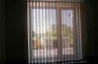 Окно из ПВХ профиля и вертикальные жалюзи